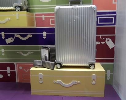 Rimowa_suitcase_webedit_09.jpg